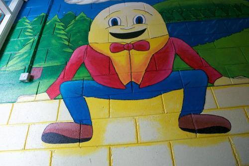 Humpty Dumpty arís!